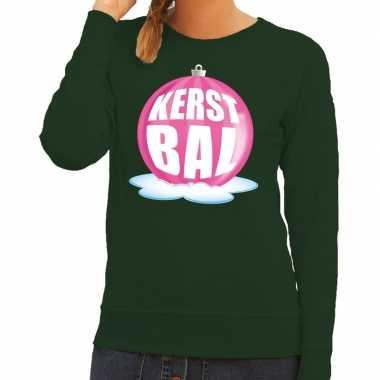 Foute kersttrui kerstbal roze op groene sweater voor dames